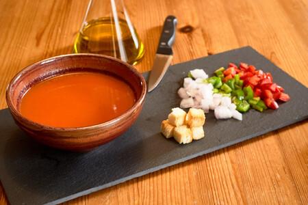 Nueve frutas y verduras distintas para tunear gazpachos y salmorejos como un profesional