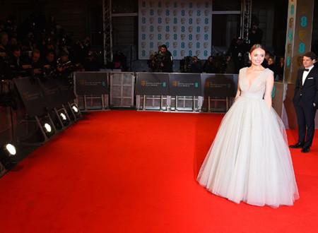 Laura Haddock es la princesa de la noche en los BAFTA 2015