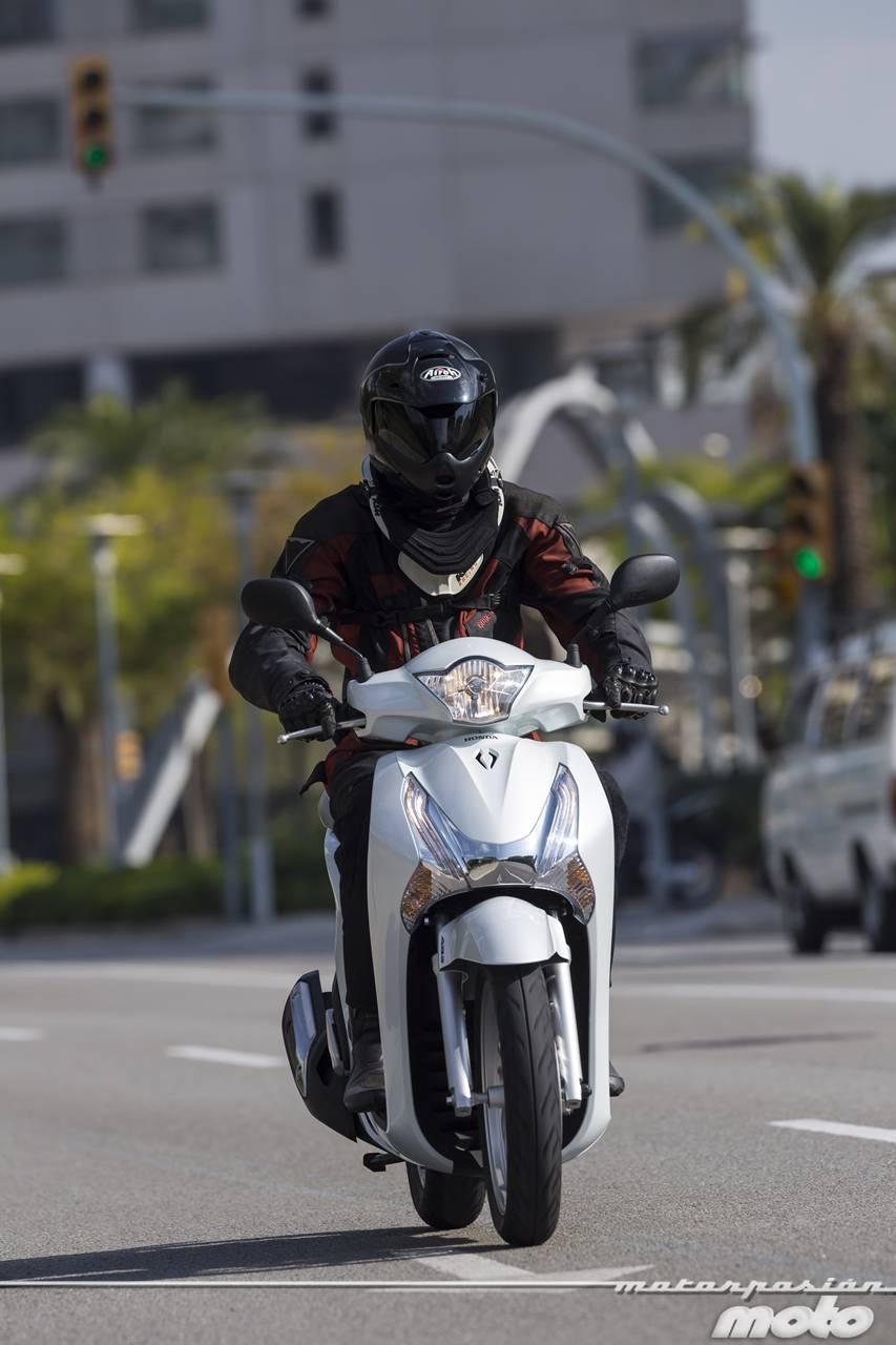 Foto de Honda Scoopy SH125i 2013, prueba (valoración, galería y ficha técnica)  - Fotos acción (6/19)