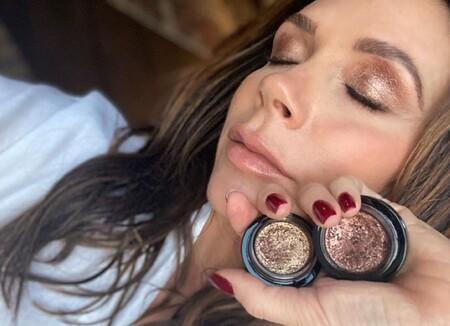 Victoria Beckham tiene el maquillaje dorado más sofisticado y su hija de nueve años es la artista que se lo hizo