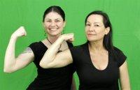 Variar la postura y el agarre a la hora de trabajar bíceps para mejorar los resultados