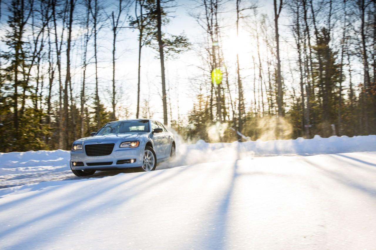 Foto de 2013 Chrysler 300 Glacier (11/27)