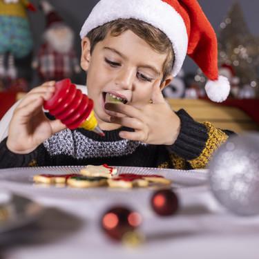 Los consejos de los expertos para cuidar la salud bucodental de nuestros hijos durante las fiestas navideñas