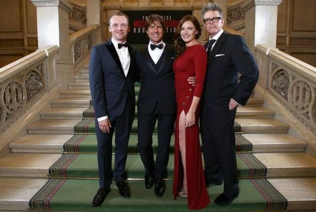 Simon Pegg, Tom Cruise, Rebecca Ferguson y Christopher McQuarrie en la premiere del film