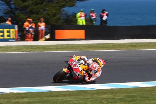 Marc Márquez se lleva la pole del GP de Australia bajo unas terribles condiciones