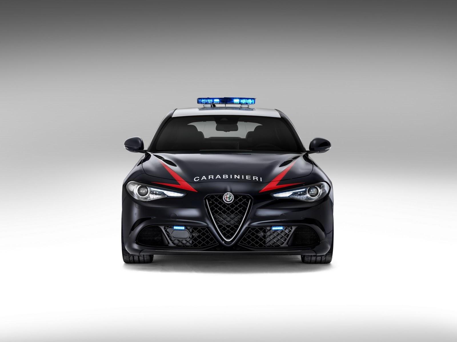 Foto de Alfa Romeo Giulia QV Carabinieri (3/32)