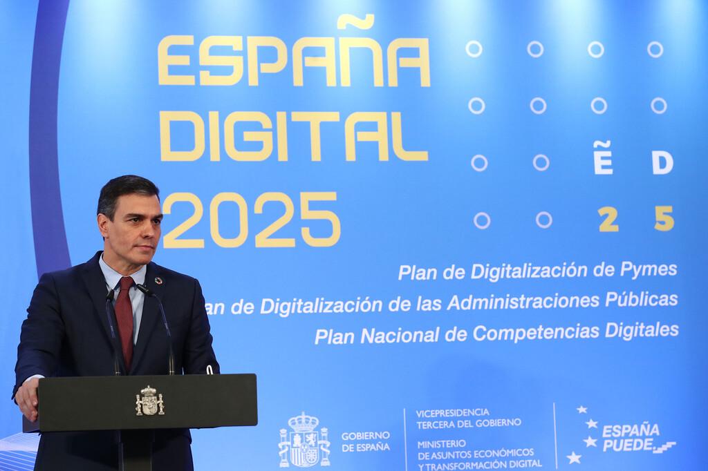 El plan de digitalización del Gobierno incluye 300 millones para la contratación de más de 15.000 expertos digitales en pymes