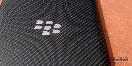 Este podría ser el último móvil fabricado por BlackBerry y sí, tiene teclado físico