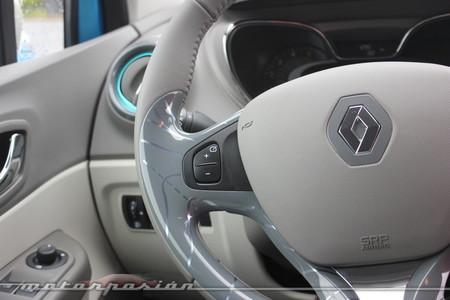 Renault Captur 2013, volante