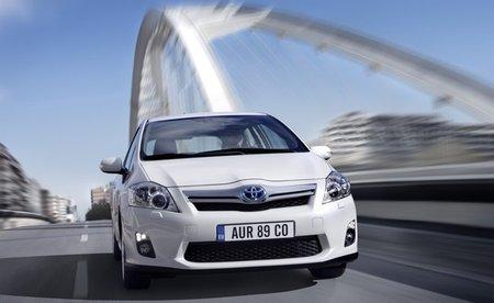 Toyota también se pasa a la energía solar