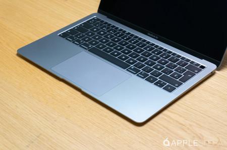 MacBook Air abierto