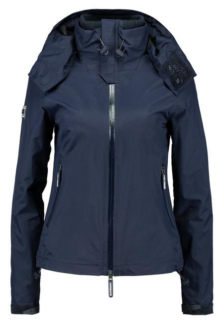 Chollo en Zalando: esta chaqueta náutica de Superdry puede ser nuestra por 26,95 euros con envío gratis incluido
