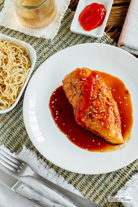 Pechugas de pollo marinadas con Sriracha y miel