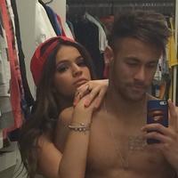Al loro chicas que Neymar se nos ha quedado solterito
