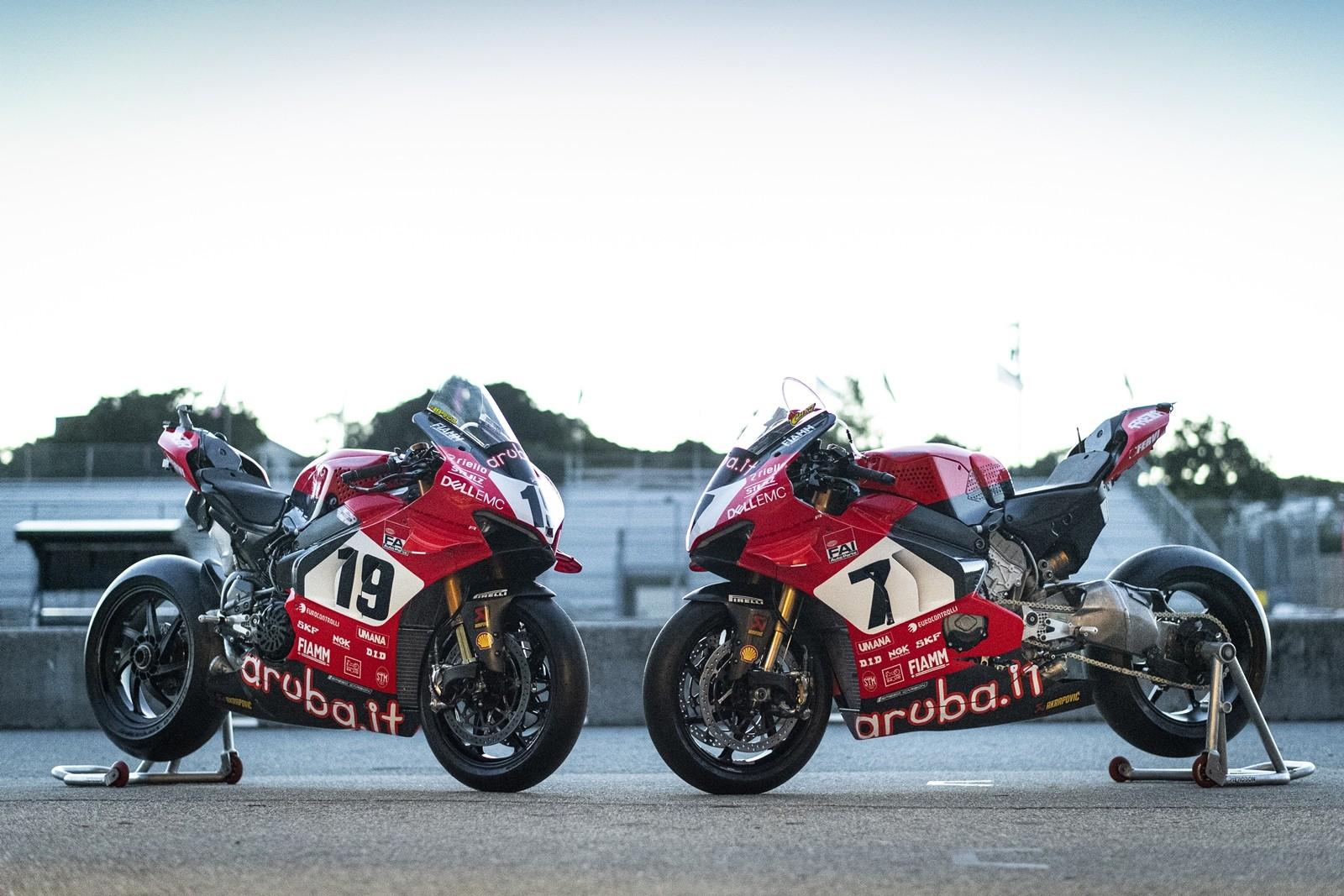 Foto de Ducati Panigale V4 25° Anniversario 916 (8/73)