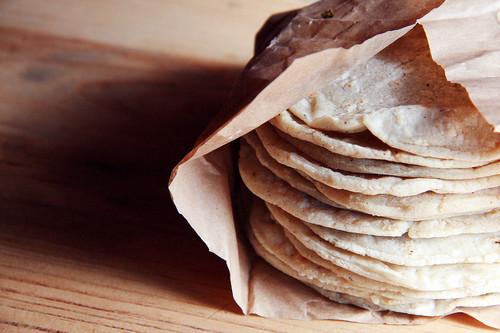 Encuentran glifosato en harina de Maseca