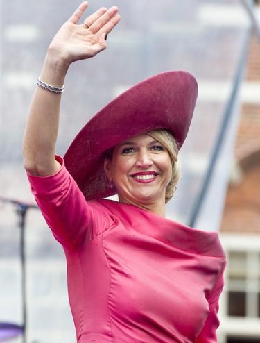 Máxima de Holanda vuelve a hacer de las suyas, pamelón por la mañana para celebrar el cumpleaños del Rey Guillermo