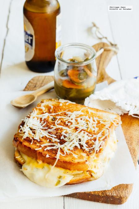 Cómo hacer un típico Grilled Cheese Sándwich con un toque mexicano