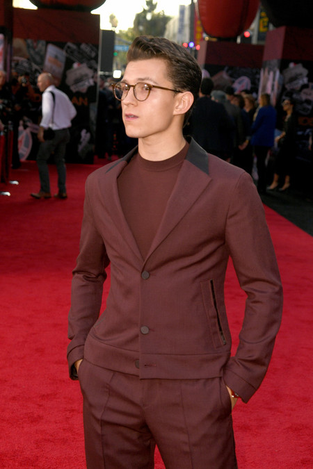 Tom Holland Entre El Traje Y El Chandal Para La Premiere De Spider Man Far From Home02