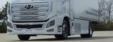 El camión pesado de hidrógeno de Hyundai ya va camino a Europa, con 400 km de autonomía por depósito