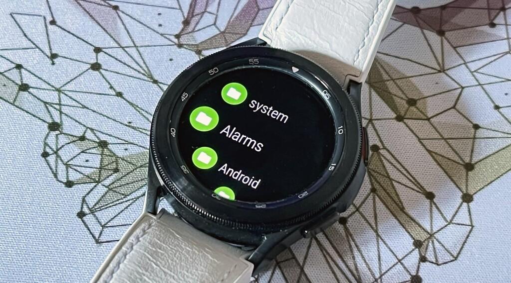 Cómo transferir archivos entre relojes Wear OS y el teléfono con la app NavExplorer