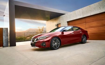 Nissan actualiza al Maxima para 2019 para que sea más llamativo, sobre todo en el interior