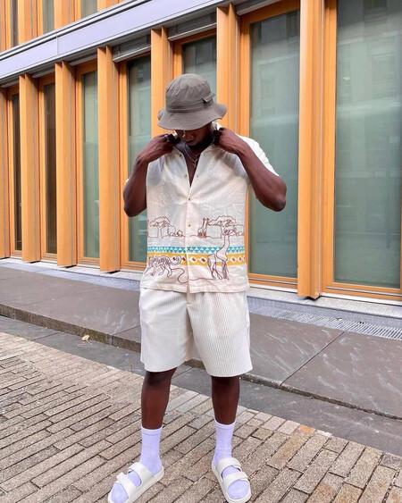 Blanco Y Tonos Crudos Como Los Colores Favoritos Del Mejor Street Style De La Semana 2