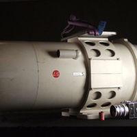 Comparado con este, cualquier teleobjetivo parece de juguete: el Jonel 100 2.540 mm f/8
