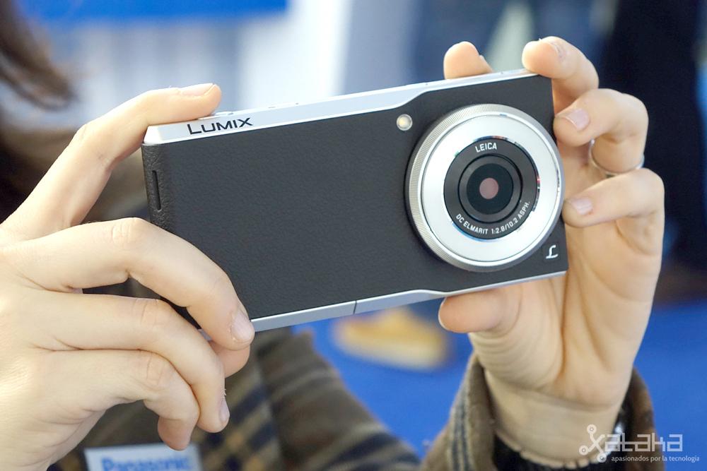 Foto de Panasonic Lumix CM1 (2/12)