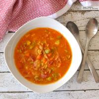 Sopa de verduras con trocitos de jamón serrano. Receta