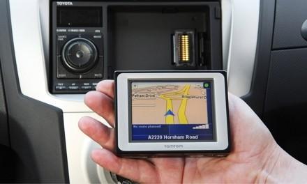 Toyota Yaris SR con navegador GPS integrado