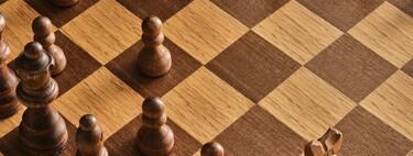 8 webs para jugar al ajedrez, mejorar tu técnica y analizar los movimientos de los grandes campeones