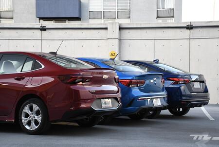 Nissan Versa Vs Chevrolet Onix Vs Kia Rio Mexico Opiniones Comparativa 9