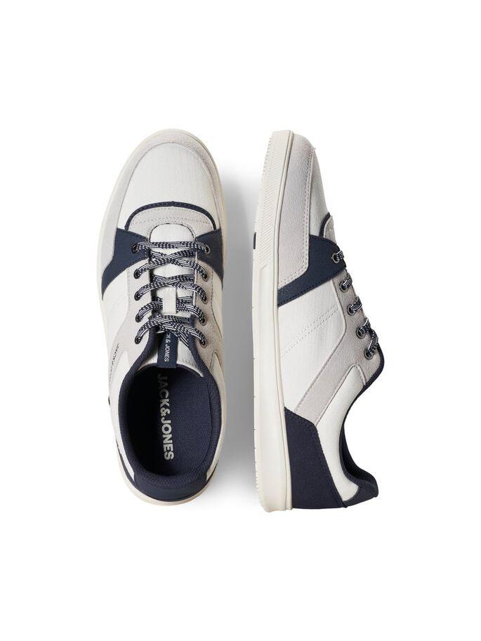 Zapatillas blancas con bloques de color