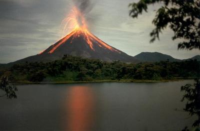 ¿Cuán intenso puede ser el ruido producido por un volcán?