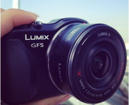 La Panasonic Lumix GF5 se cuela en una foto
