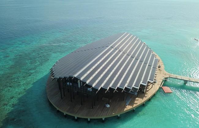 El impresionante hotel ubicado en una isla privada que es impulsado sólo por energía solar donde la noche cuesta 4.000 dólares