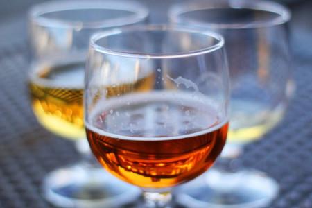 ¿Bebes más alcohol los días que entrenas más duro?