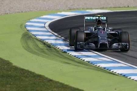 Nico Rosberg pole en casa y accidente para Lewis Hamilton