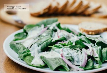 Ensalada de espinacas con queso Roquefort. Receta exprés