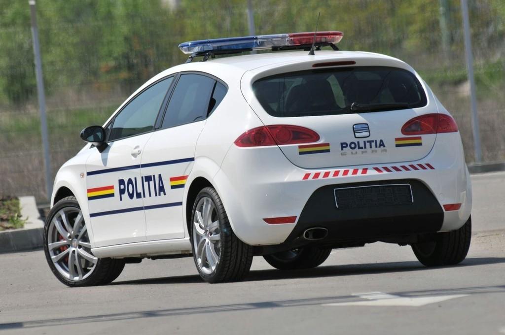 Foto de SEAT León Cupra para la policía rumana (3/5)