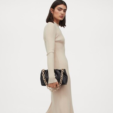 H&M nos propone los vestidos de punto más cómodos y calentitos para comenzar el año