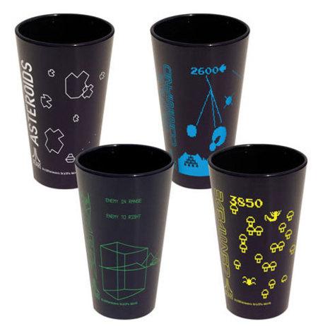 Vasos inspirados en los juegos clásicos de Atari