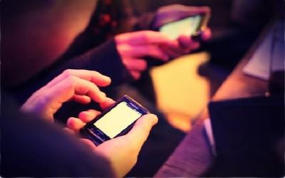 Navegar con el móvil en el extranjero es hasta 75 veces más caro