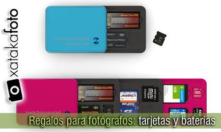 Regalos para fotógrafos: tarjetas de memoria y baterías