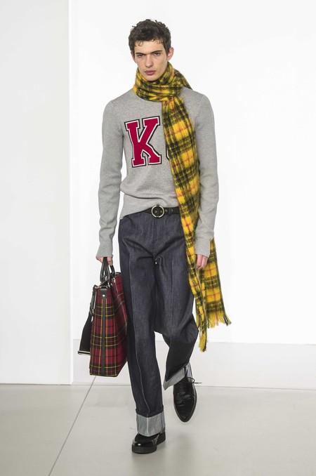 Los Dad Jeans Son La Nueva Forma En La Que El Denim Se Llevara En Otono De Acuerdo A Las Pasarelas 06
