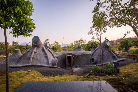 Casa Gumpha: un inesperado viaje entre lo primitivo y el futurismo made in India