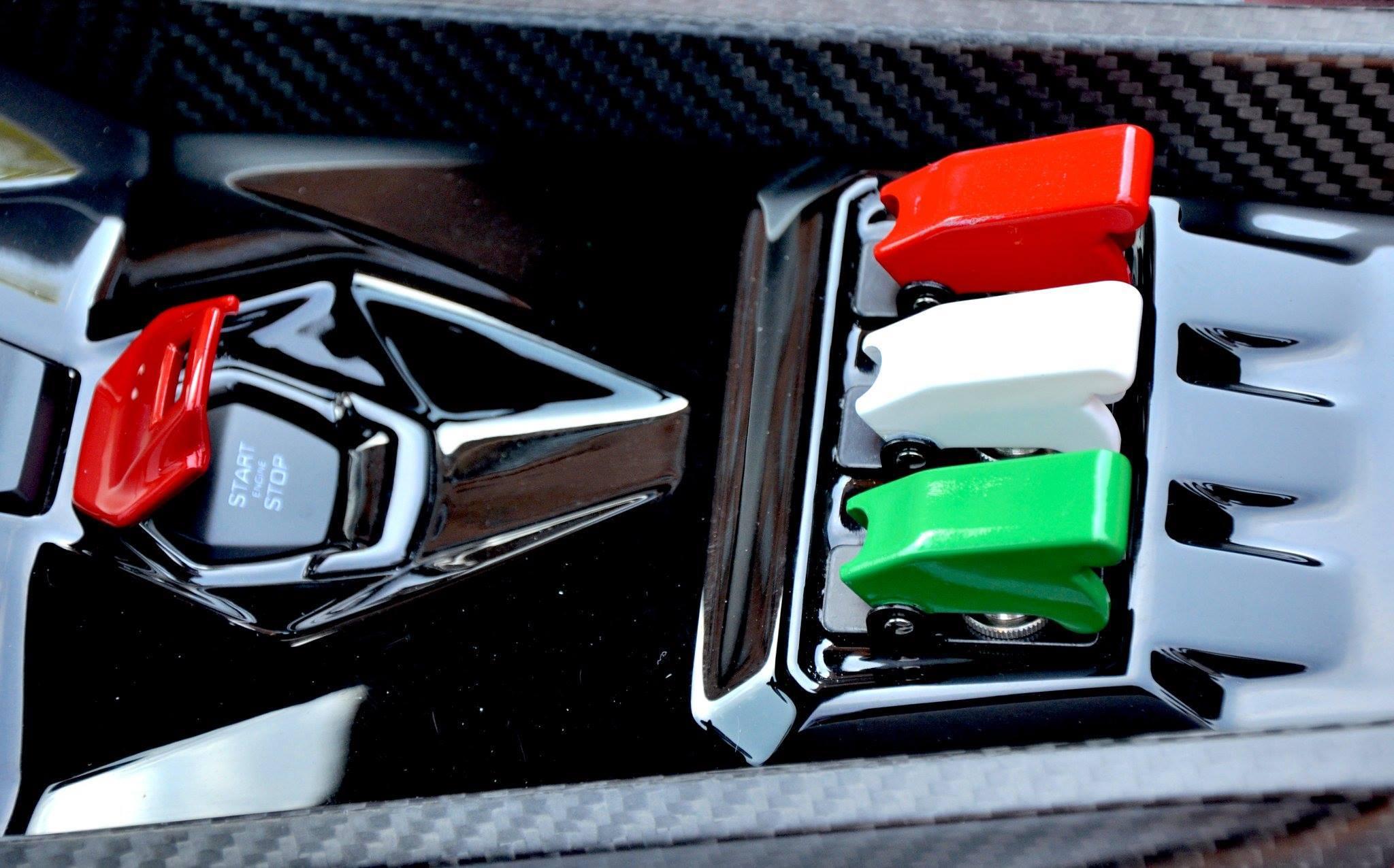 Entregan Primer Lamborghini Veneno Roadster A Cliente