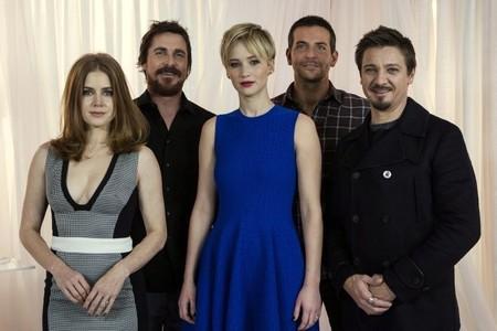 Amy Adams, Christian Bale, Jennifer Lawrence, Bradley Cooper y Jeremy Renner