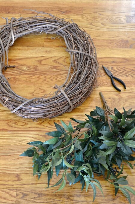 Farmhouse Wreath Supplies 1100x1661